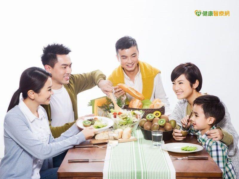 闔家歡樂慶中秋,享受美食改搭配蔬果,健康好處多