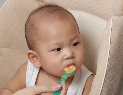 儿童喝牛奶过敏