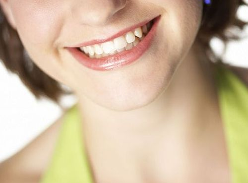 牙齒黃怎麼辦? 醫:根據原因找對策