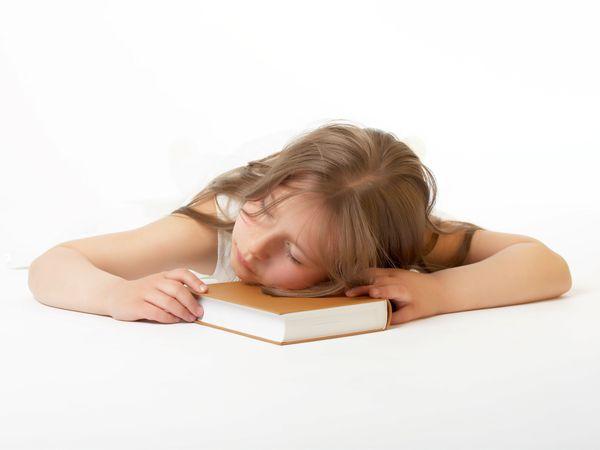 國二生課業壓力大 心情低落難入睡