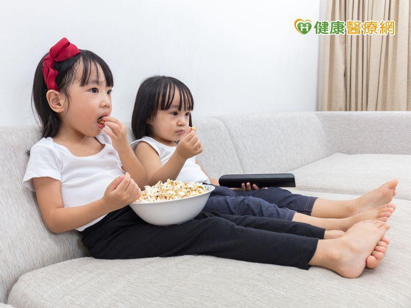 看電視時間逾2小時 兒童肥胖增1.9倍