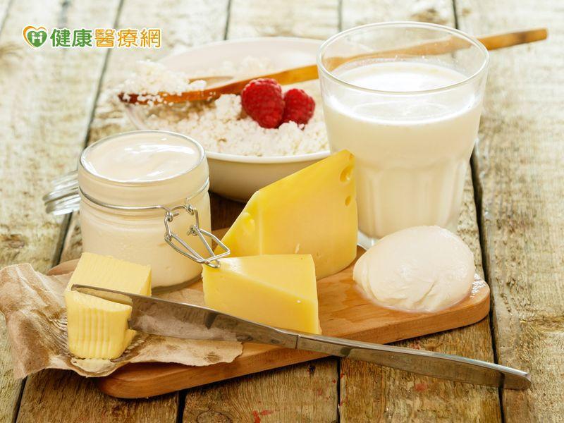 吃優格、乳製品降乳癌風險 但吃起司恐增風險?