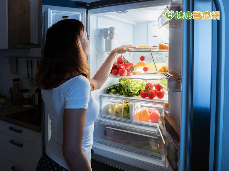 水果切好冷藏營養流失?隔夜飯致癌? 營養師說...