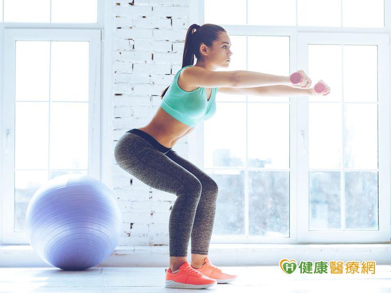 蹲錯傷膝蓋! 深蹲運動正確這樣做