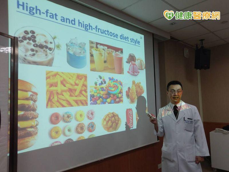 常吃高脂高糖食物 男人性功能恐受損