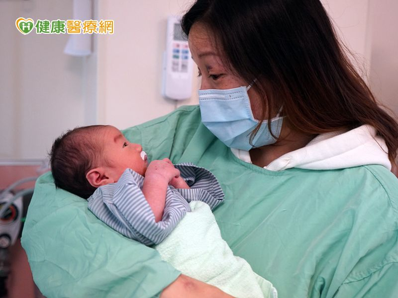 孕婦遇車禍命危 剖腹取胎母子都保命