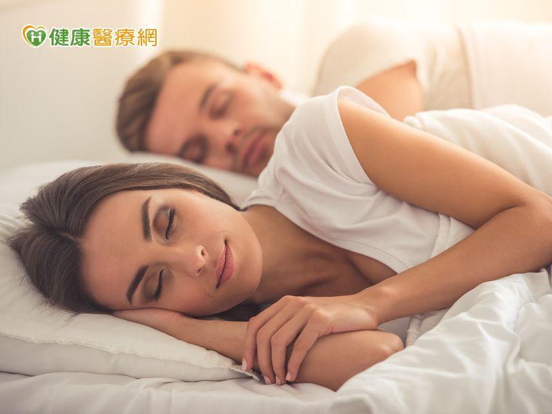 老是習慣側睡 當心肩膀痠痛纏身