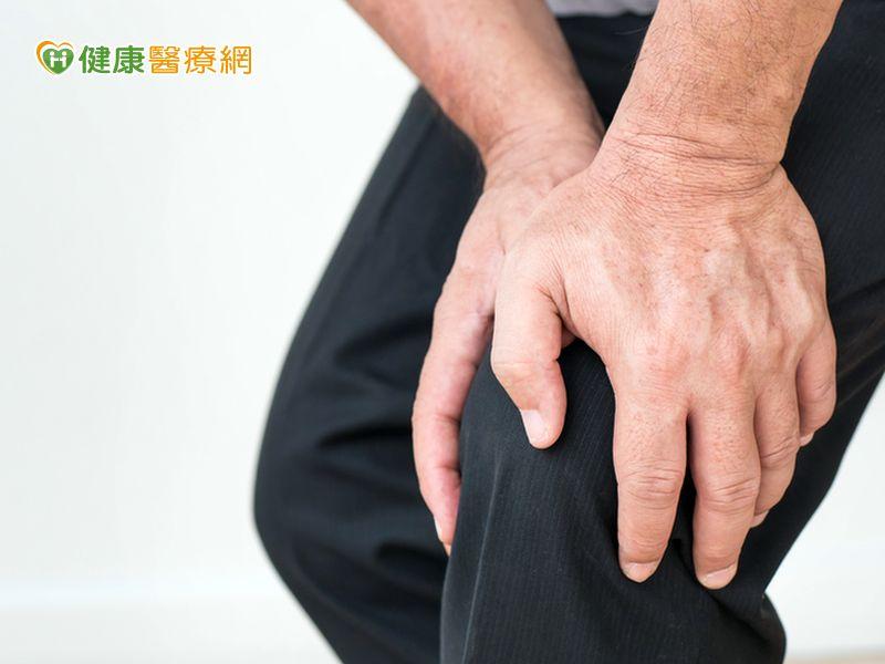 預防膝關節退化 睡前做這招運動