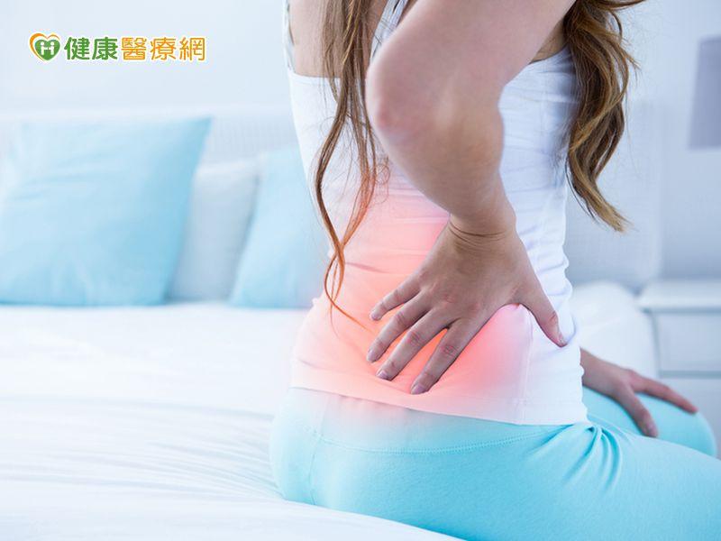 腰痠背痛可能子宮後位 1招動作矯正