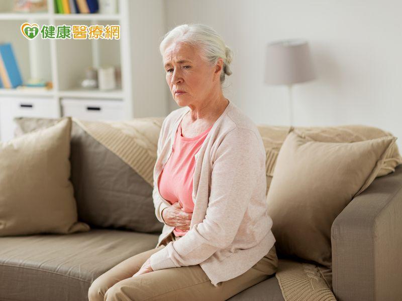 嗜吃破布子 老婦胃糞石過大險喪命