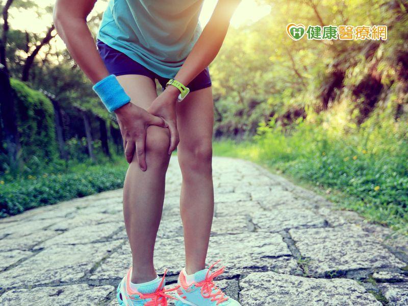 她膝關節損壞 竟因愛登山惹禍!