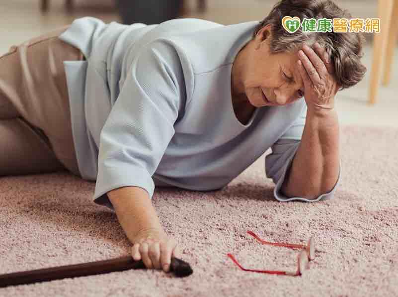 對抗骨質疏鬆有撇步 多運動少菸酒