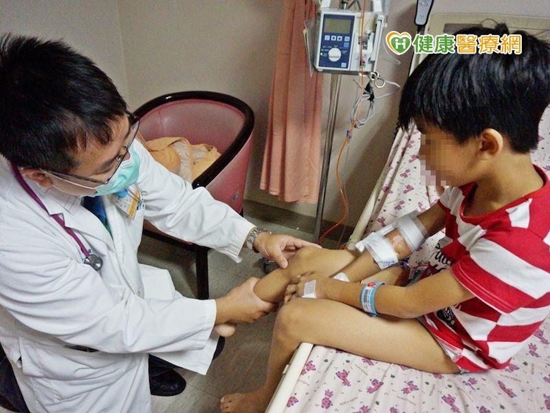 男童右膝腫一大包 竟是卡介苗併發關節炎