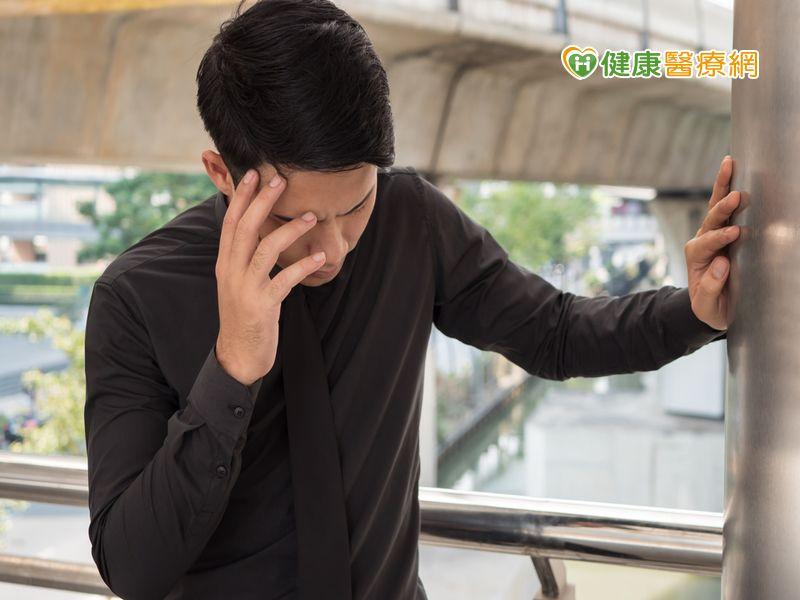 抬頭低頭出現頭暈 小心恐是罹患耳石脫落症