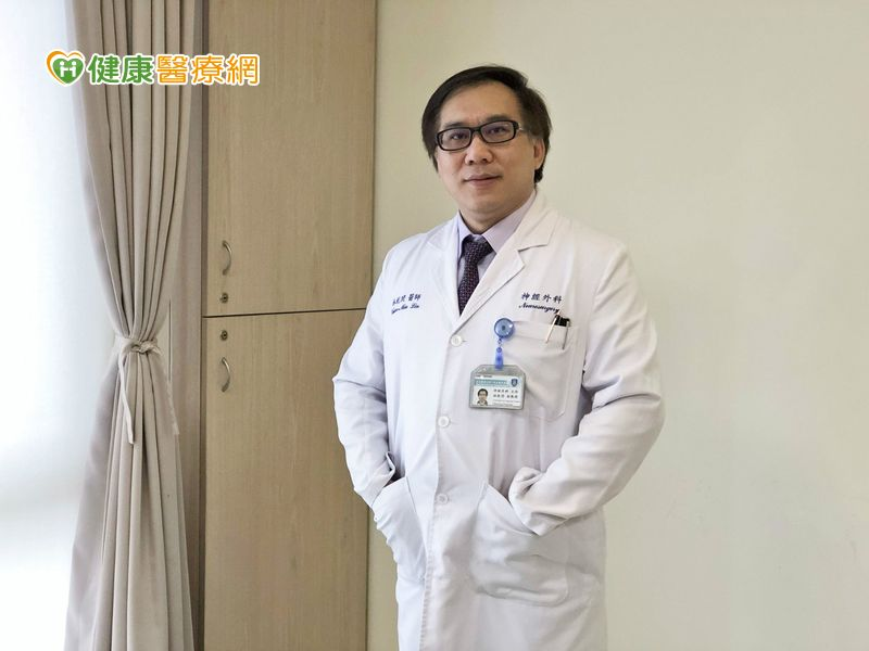 ROSA勵羅莎手術機器人 脊椎手術精準醫療新選擇
