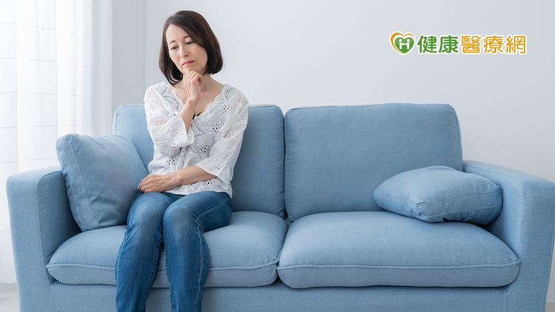 更年期不適!靠飲食補充雌激素夠嗎? 醫揭荷爾蒙治療重要性