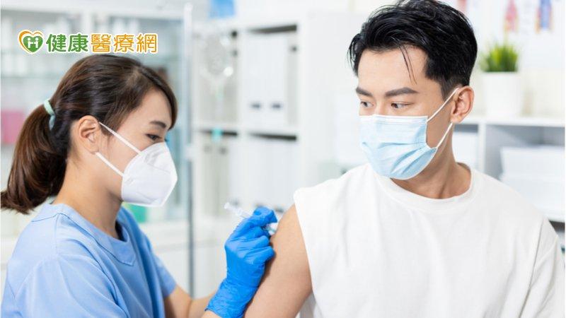接種新冠疫苗皮膚出狀況怎辦? 專家:多數會自然消失
