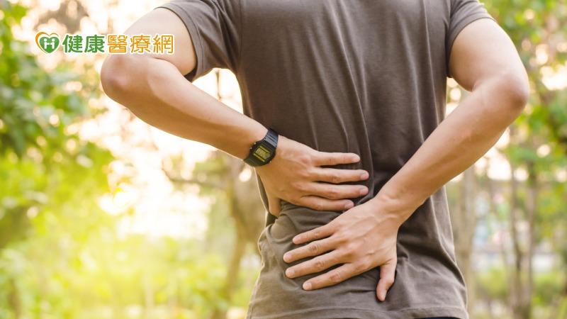 下背痛該怎麼辦? 物理治療師解析常見三問題