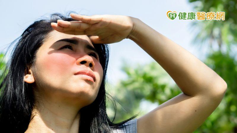 美肌濾鏡帶著走 彩衝光包辦肌膚疑難雜症
