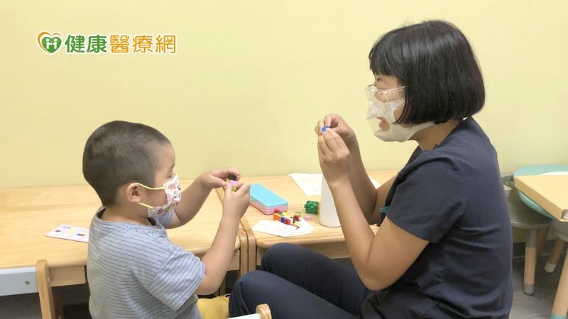 小朋友口齒不清 要上正音班還是語言治療?