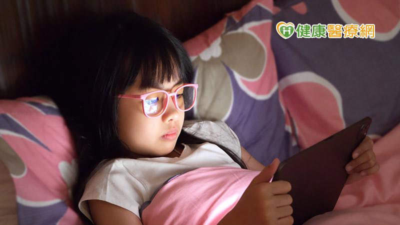 防疫期間學童近視度數狂飆 靠角膜塑型穩定控制
