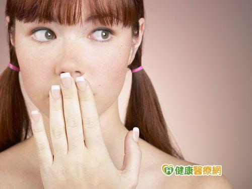 卸妝油去汙力強 使用過度易傷皮膚