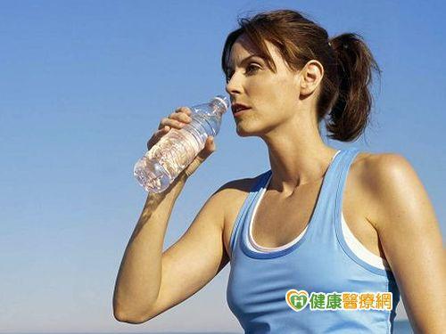 多喝水可減肥? 小心喝冰水易胖