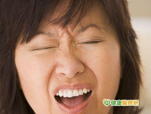 頭痛脾氣暴躁 鼻中膈彎曲惹禍