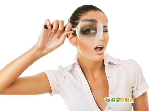 乾眼症缺水又缺油 人工淚液如何選?