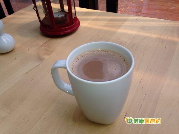 多喝可可+綠茶 經鬆變身白皙美人