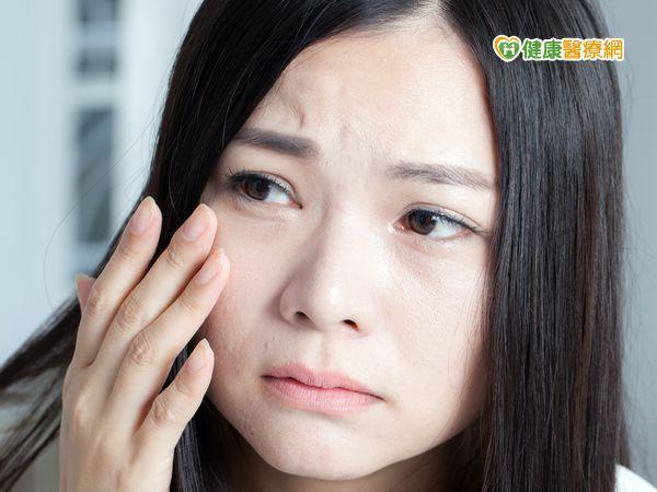 常用去油洗面乳 洗久恐變敏感肌