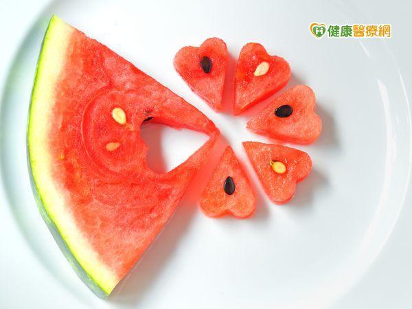 夏吃西瓜消暑 哪些人要少吃?
