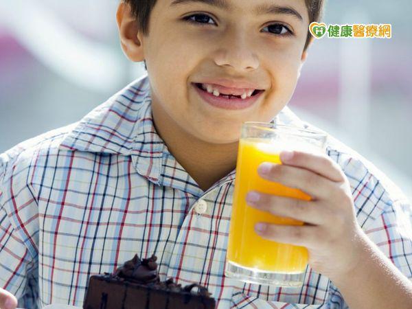 小六生天天喝飲料 喝到「油包肝」