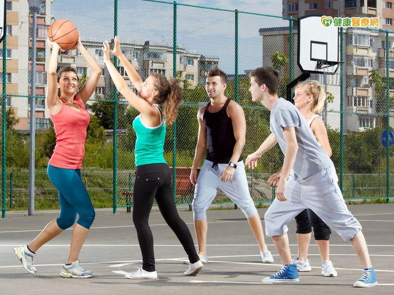 運動時小腿肌肉啪一聲 竟是網球腳上身