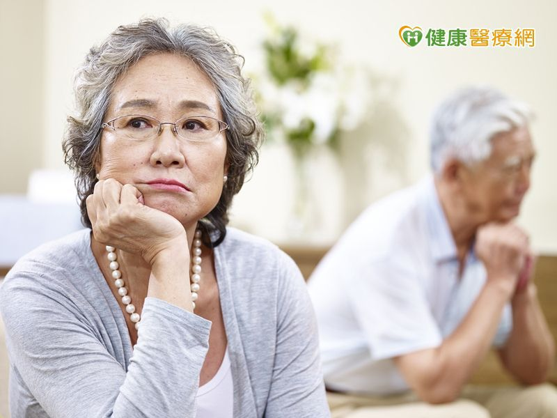 老人常喊這裡痠那裡痛 可能已罹患憂鬱症!
