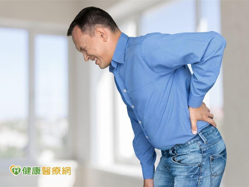 糟!搬重物閃到腰! 避免下背痛應注意...