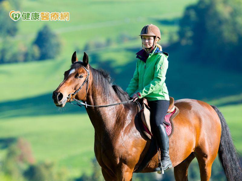 劉德華、林志玲墜馬 馬術專家提出重要建議