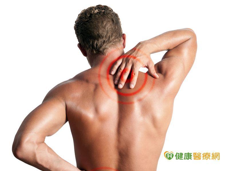 背痛竟是晚期肺癌 巨大腫瘤長到背