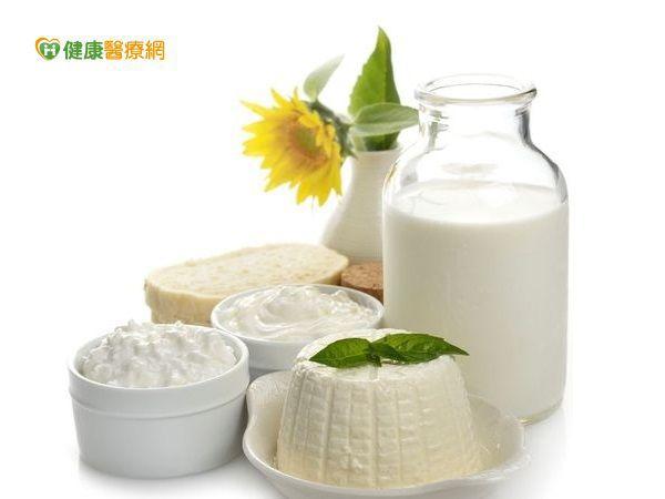 喝牛奶防骨鬆? 其實這些食物鈣質含量更高