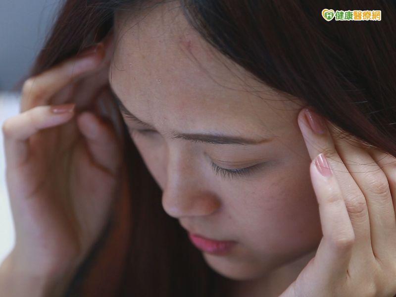 偏頭痛、耳鳴 原來就是手機電磁波惹的禍